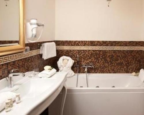Grand Hotel Italia Cluj Napoca 5 Star Str Vasile Conta Nr 2 400478